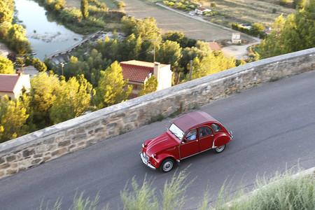 Récord de participación en la concentración de Citroën 2CV celebrada en Alcañiz