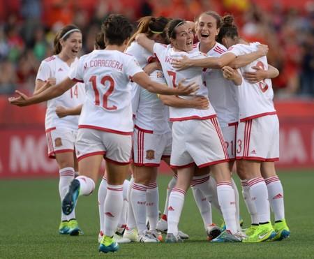 Un paso más en la igualdad en el deporte: la Quiniela incluirá un partido de la Liga Femenina de fútbol