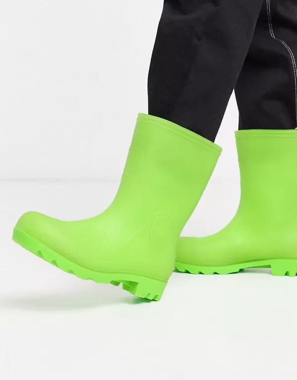 Botas de agua en verde que brillan en la oscuridad de ASOS DESIGN