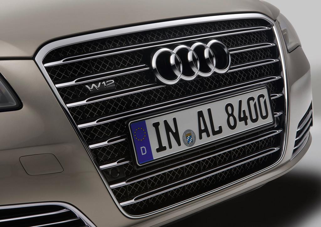 Audi A8 L W12 Quattro 8 31