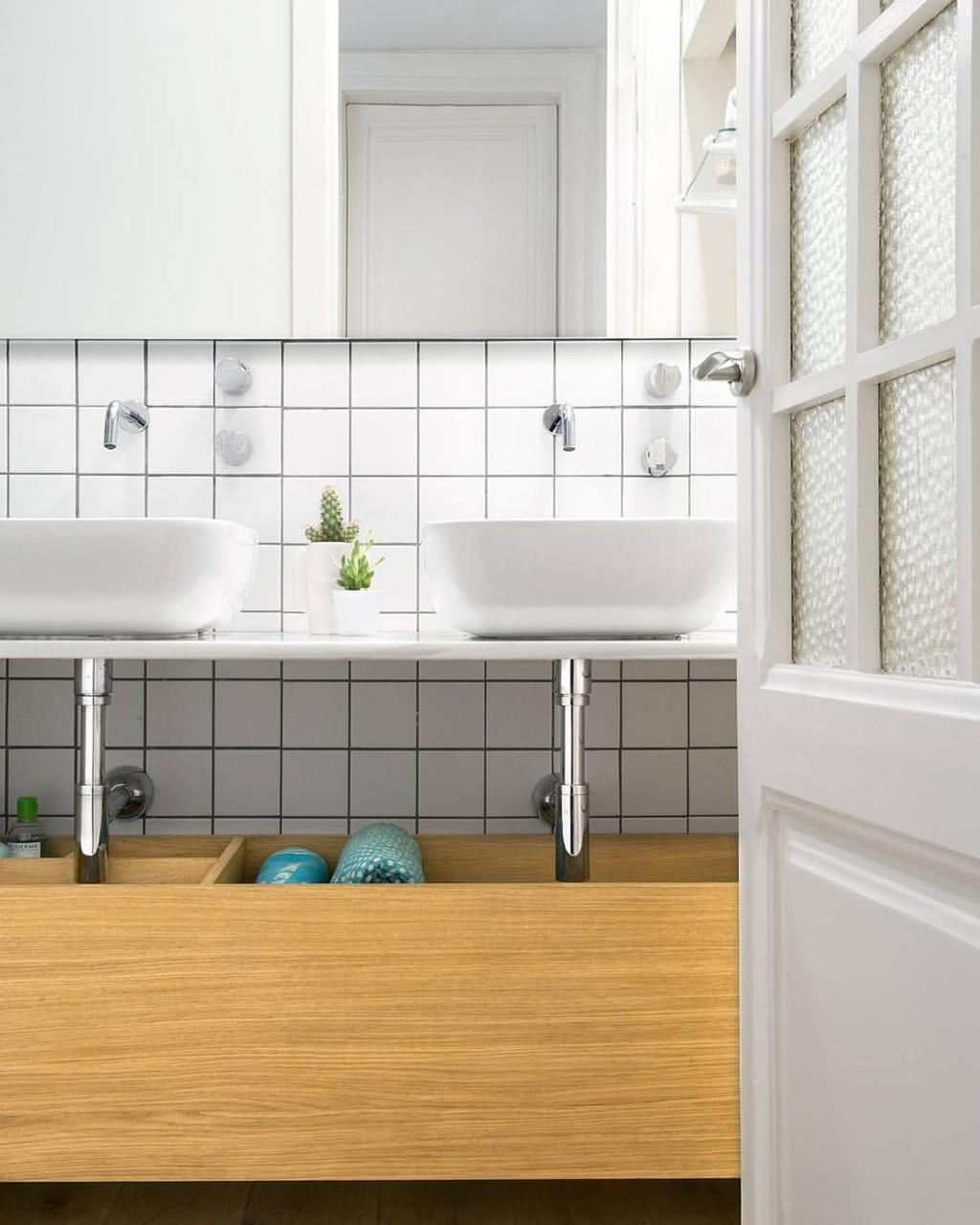 ¿Buena o mala idea? Colocar los grifos del lavabo en la pared