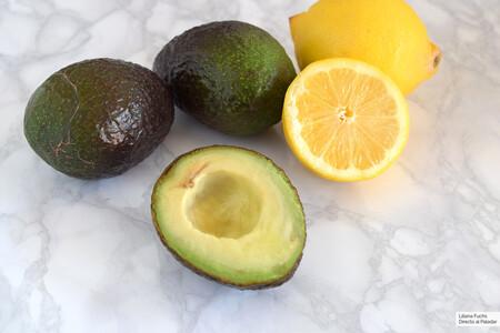 Ahttps://www.directoalpaladar.com/ingredientes-y-alimentos/esta-mejor-manera-conservar-aguacate-abierto-varios-dias-que-se-oxide-sencilla#:~:text=Una%20vez%20abrimos%20el%20fruto,apenas%20aparecen%20signos%20de%20oxidaci%C3%B3n