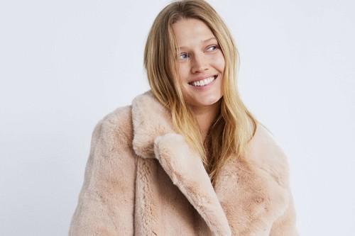 """Los 7 abrigos de Zara que ya están rebajados en su sección """"Special price"""""""