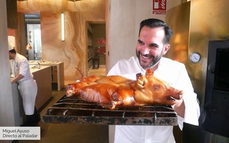 Dos estrellas Michelín, tres Premios Nacionales de Gastronomía y el mejor cochinillo del mundo: así es una comida en Coque