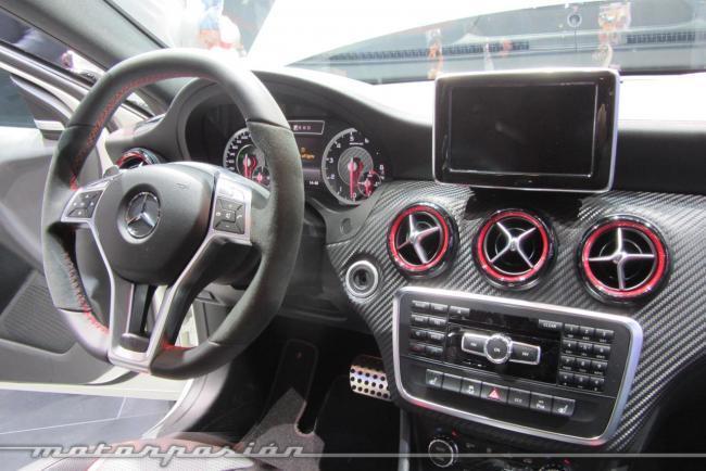 Mercedes A45 AMG interior Ginebra 2013
