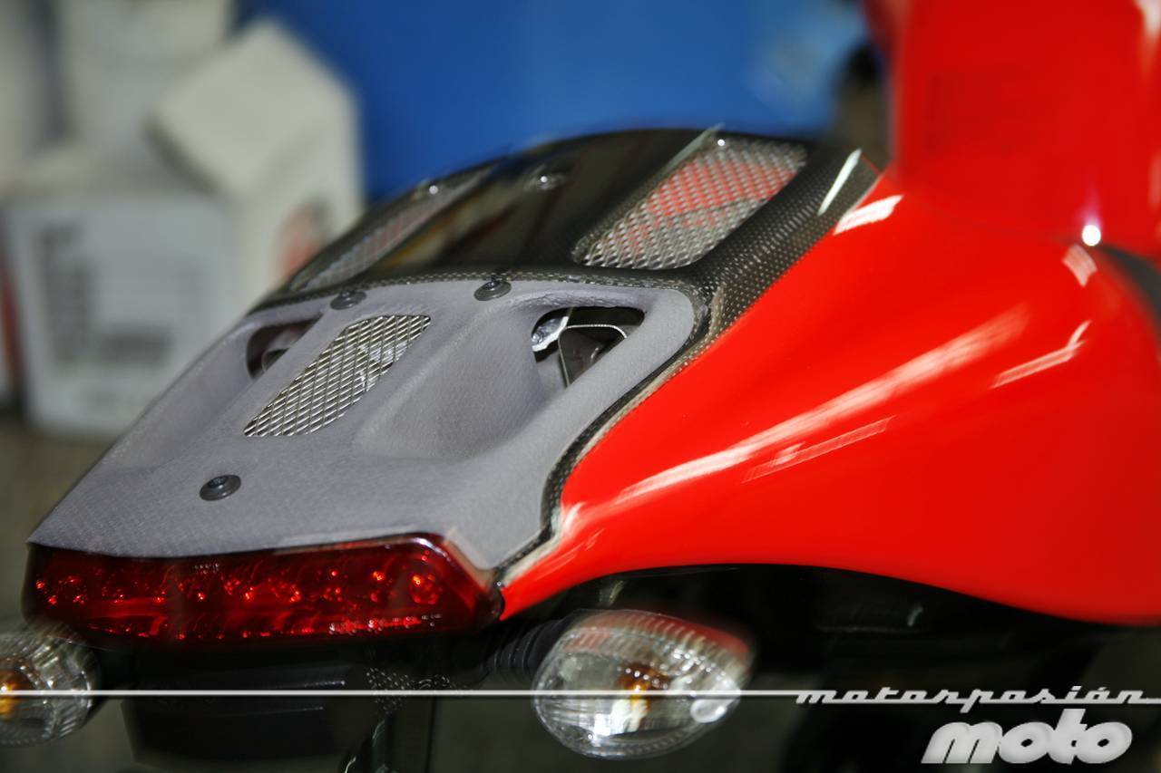 Foto de Ducati Desmosedici RR, toma de contacto (prueba dinámica y galería de fotos) (41/55)