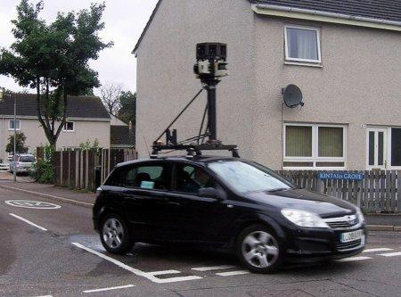 Google es multado en Francia por recabar datos privados con su programa Street View