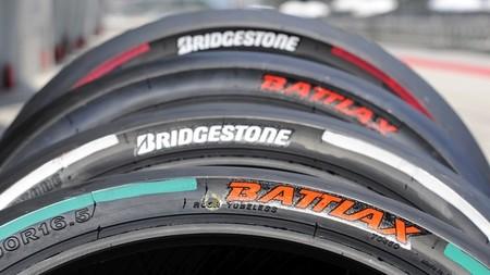 Bridgestone introduce un nuevo sistema de marcado de los neumáticos de MotoGP