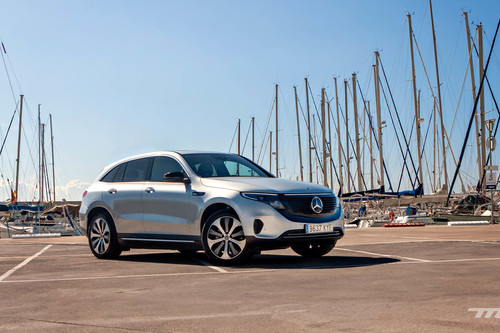 Probamos el Mercedes-Benz EQC 400, un imponente SUV que convence por confort pero no por su consumo como coche eléctrico