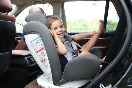 La silla de coche para viajar a contramarcha más vendida en Amazon es esta Star Ibaby y está rebajada hoy