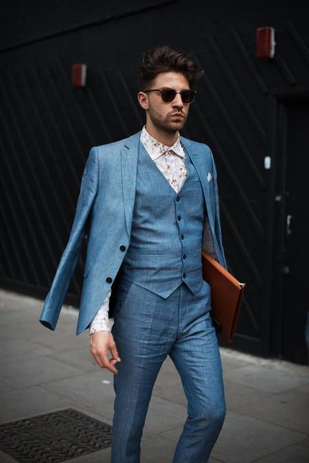 traje tres piezas azul