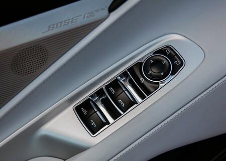 Chevrolet Corvette C8 Stingray Convertible 2020 1600 10