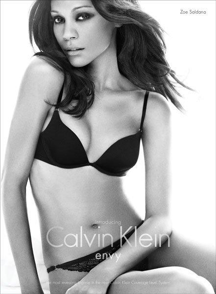 Más imágenes de Zoe Saldana para Calvin Klein Underwear