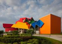 El Biomuseo diseñado por Frank Gehry en el Causeway de Amador en Panamá abrirá sus puertas en octubre