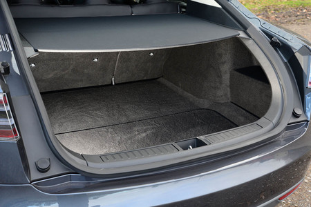 Tesla Model S maletero