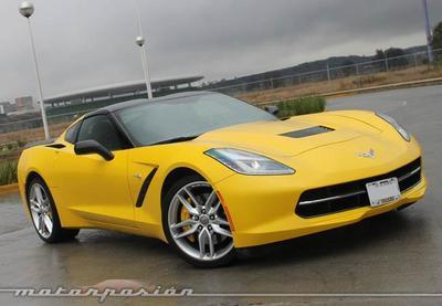 Contacto: Chevrolet Corvette Stingray 2014