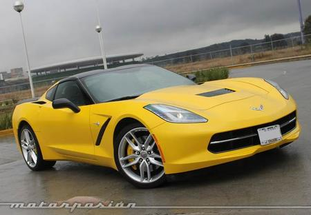 Contacto: Chevrolet Corvette Stingray 2014