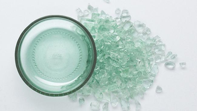 Bottleware, preciosas fuentes de diseño con botellas recicladas de Coca-Cola detalle