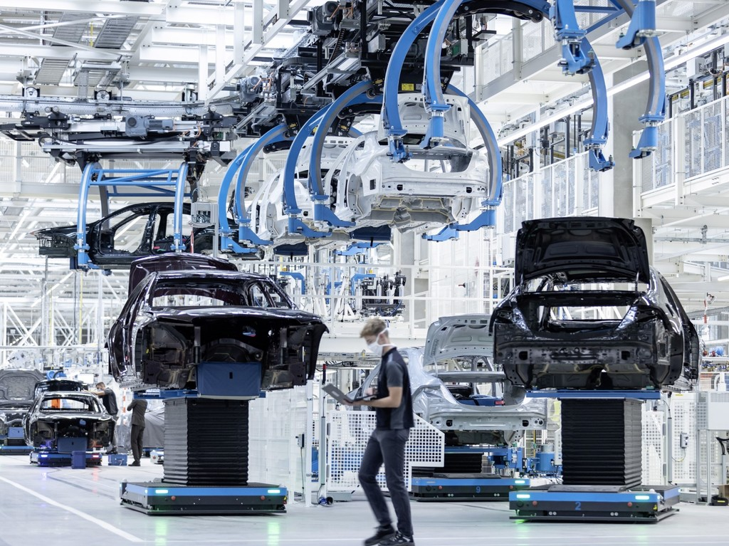 Mercedes-Benz presume de su nueva y avanzada fábrica donde producirá el Clase S y los futuros EQS y Mercedes-Maybach S