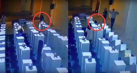 Así es como una colección de arte con valor de 200.000 dólares es dañada por culpa de un inocente selfie