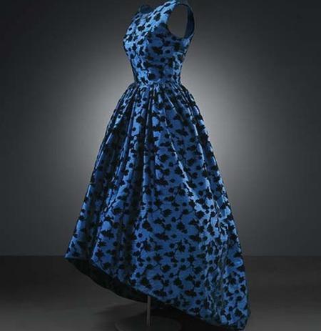 balenciaga-museodeltraje-azulynegro
