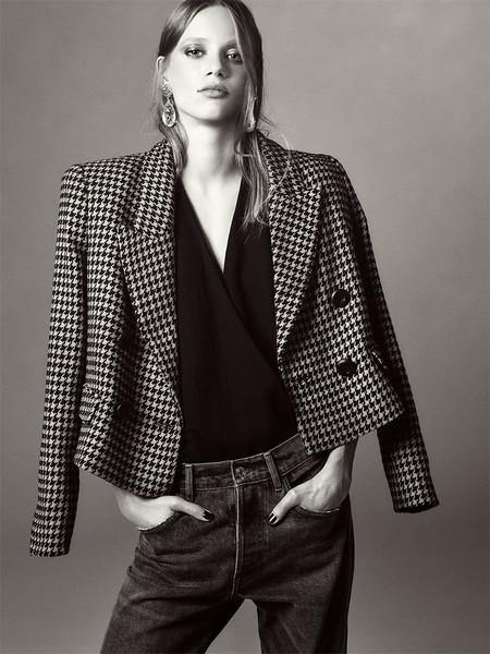 ¡Larga vida al tejido vaquero! La nueva colección de Zara TRF nos recuerda su gran importancia