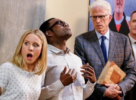 'The Good Place' nos rompe el corazón con el excelente final de una tercera temporada que ha ido de menos a más