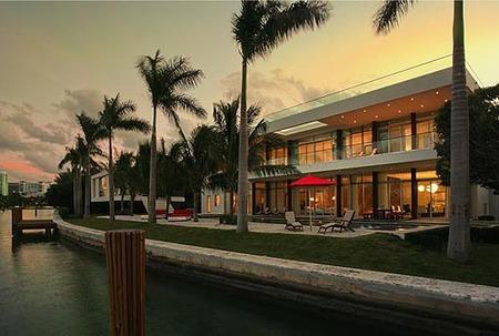 Casa de Lujo en una isla privada de Miami