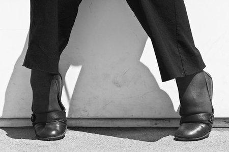 Un ejercicio fácil para activar la circulación cuando estás trabajando de pie