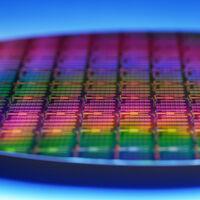 Intel se apunta al modelo ARM para recuperar posiciones en el CPD y permitirá el co diseño de chips x86