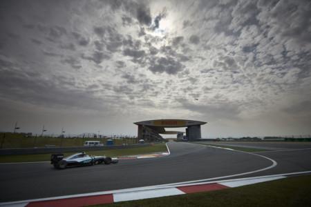 Nico Rosberg suma una nueva pole position con Lewis Hamilton fuera de juego