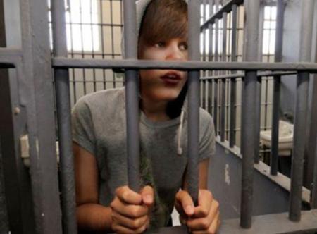¿Os imagináis a Justin Bieber en el trullo?, eso por malote y camorrista...
