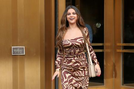 Selena Gómez se atreve con el estampado de cebra en la misma gama de color con un resultado dudoso en Nueva York