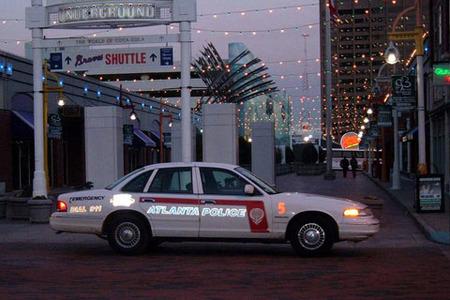 La policía de Atlanta sube las multas por el precio de la gasolina