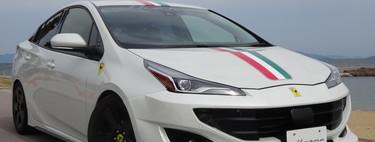 """De los creadores del Toyota """"RAVurus"""" llega un Prius con desplantes de Ferrari FF"""