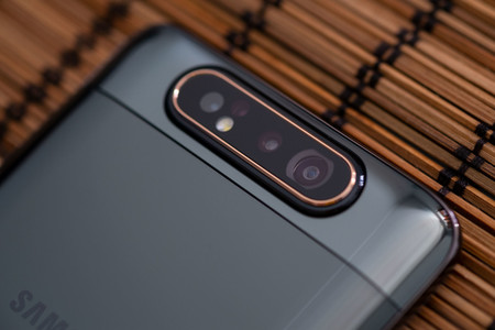 Samsung Galaxy A80 Camara 02