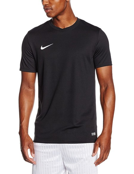 Desde 14,45 euros podemos hacernos con esta camiseta de manga corta para hombre Nike Park VI en Amazon