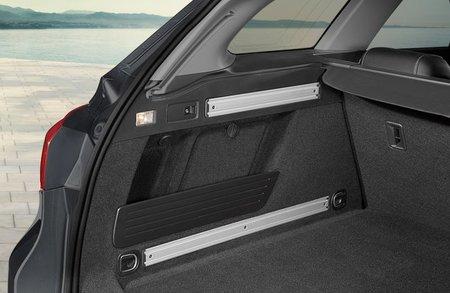Detalle maletero Opel Astra 11