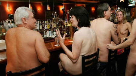 ¿Comer desnudos en un restaurante? Yo no, gracias
