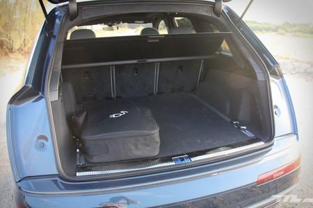 Audi Q7 e-tron maletero