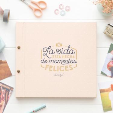 13 álbumes de fotos y material variado de scrapbooking para organizar tu colección de imágenes de forma creativa y aprovechar tus días en casa