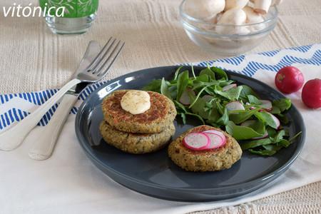 Mini hamburguesas o medallones de garbanzos y champiñones con almendra: receta saludable