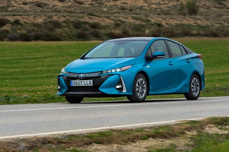 Probamos el Toyota Prius Plug-in Hybrid y tuvimos una experiencia fascinante