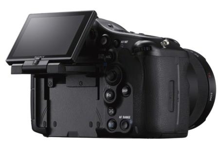 Sony A99 con su pantalla trasera articulada