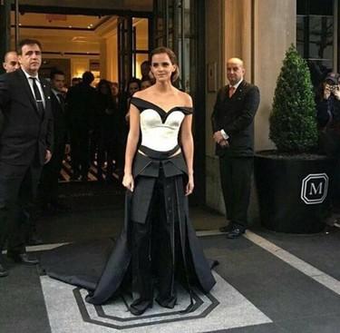 Emma Watson luce un look de botellas recicladas en la Gala del MET 2016