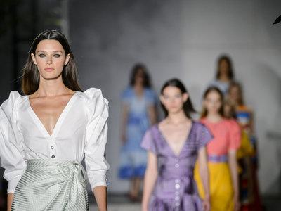 Carolina Herrera Primavera-Verano 2018: invasión de color y estilo