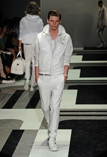 Foto de Gucci, Primavera-Verano 2010 en la Semana de la Moda de Milán (7/15)