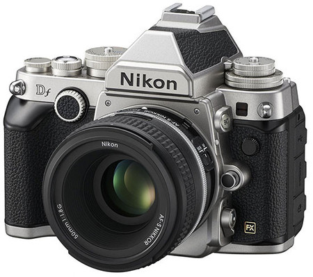 Nikon Df, una nueva cámara con aspecto retro aparece en imágenes antes de su presentación