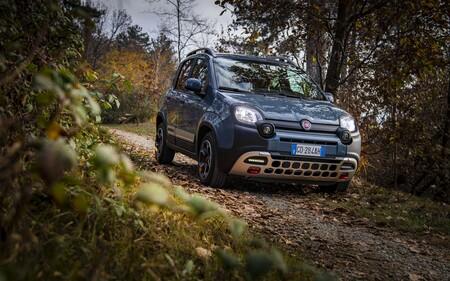 Probamos el nuevo Fiat Panda Cross: un coche urbano mild-hybrid, asequible y con aires todoterreno
