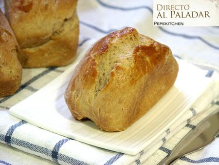 Plum cake de nueces. Receta de pan festivo